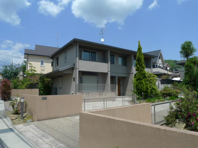 物件番号: 1075903104 PASSY V 京都市左京区岩倉花園町 2LDK テラスハウス 外観写真